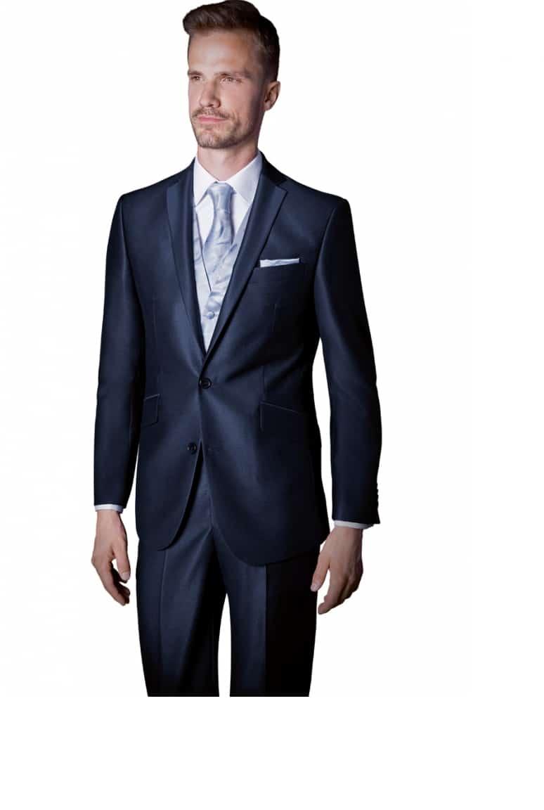 costume bleu marine c 39 est une couleur l gante porter. Black Bedroom Furniture Sets. Home Design Ideas